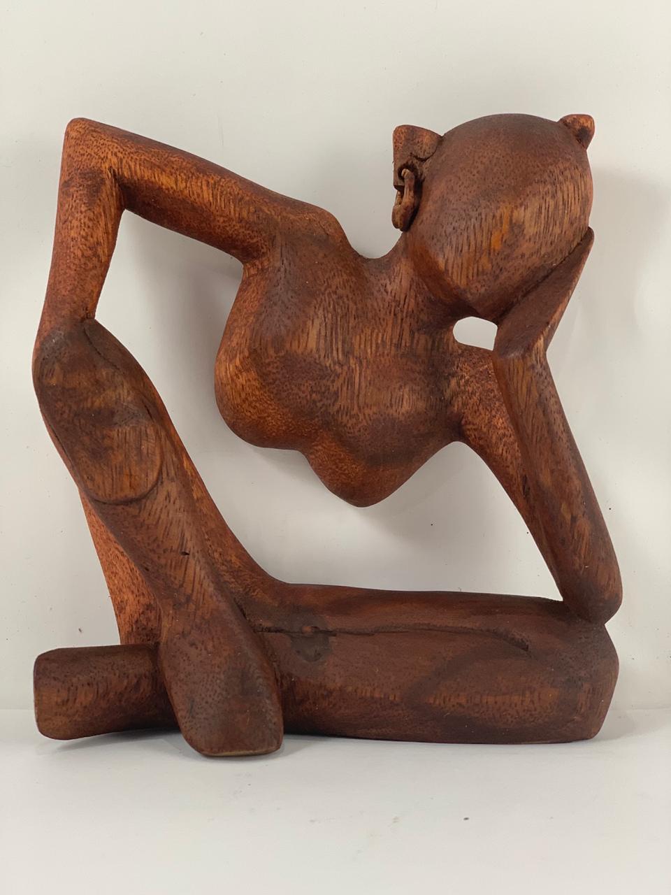 Escultura Pensador Abstrato Tradicional em Madeira suar ( 15 e 20 cm )
