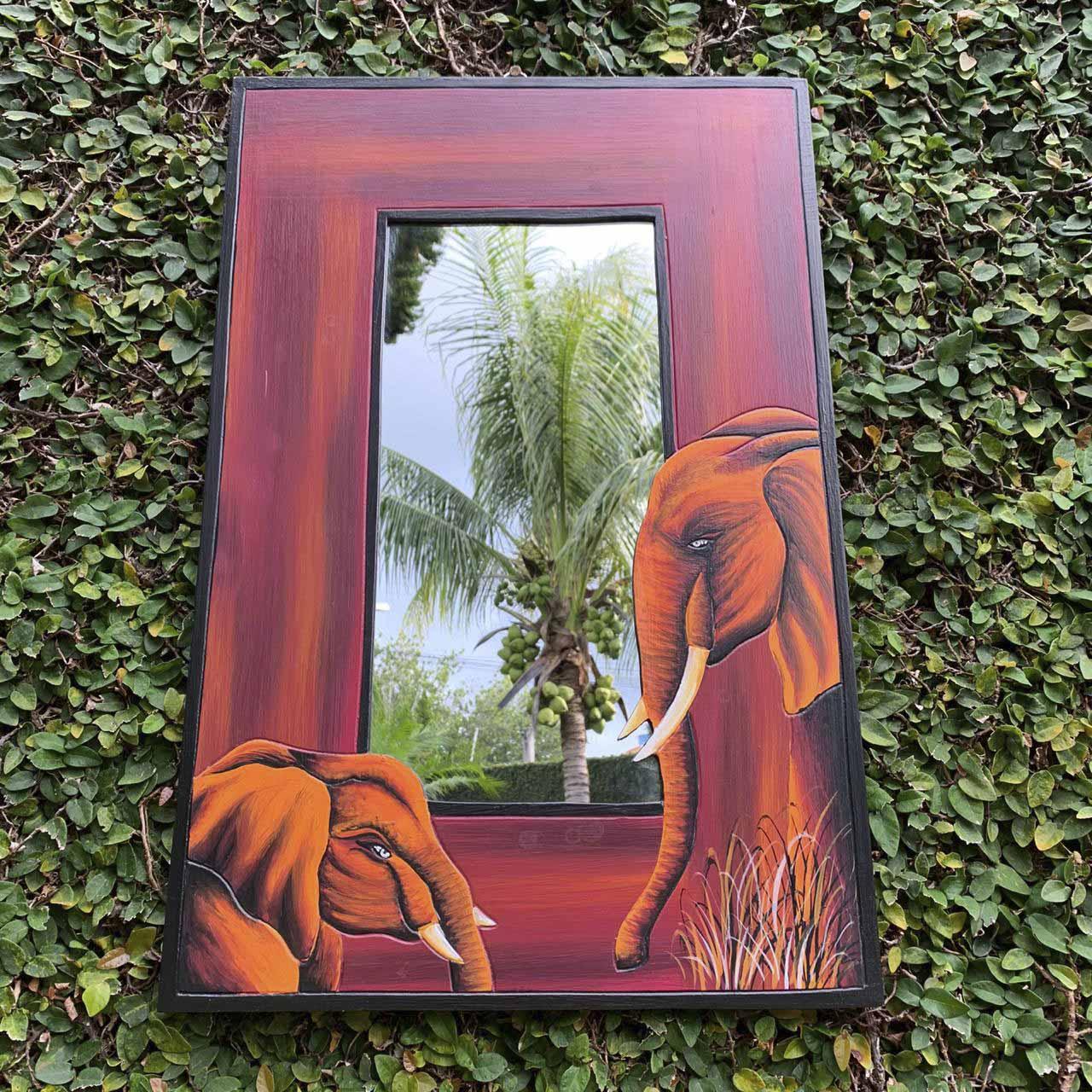 Espelho em MDF com bordas em Vermelho e Pintura de Elefantes ( 60/90cm )