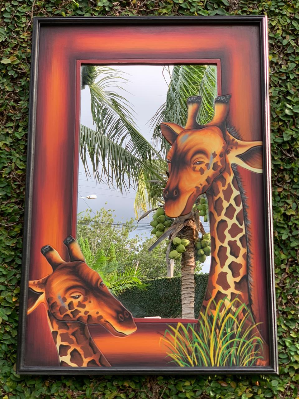 Espelho em MDF com bordas em Vermelho e Pintura de Girafas ( 90x60cm )