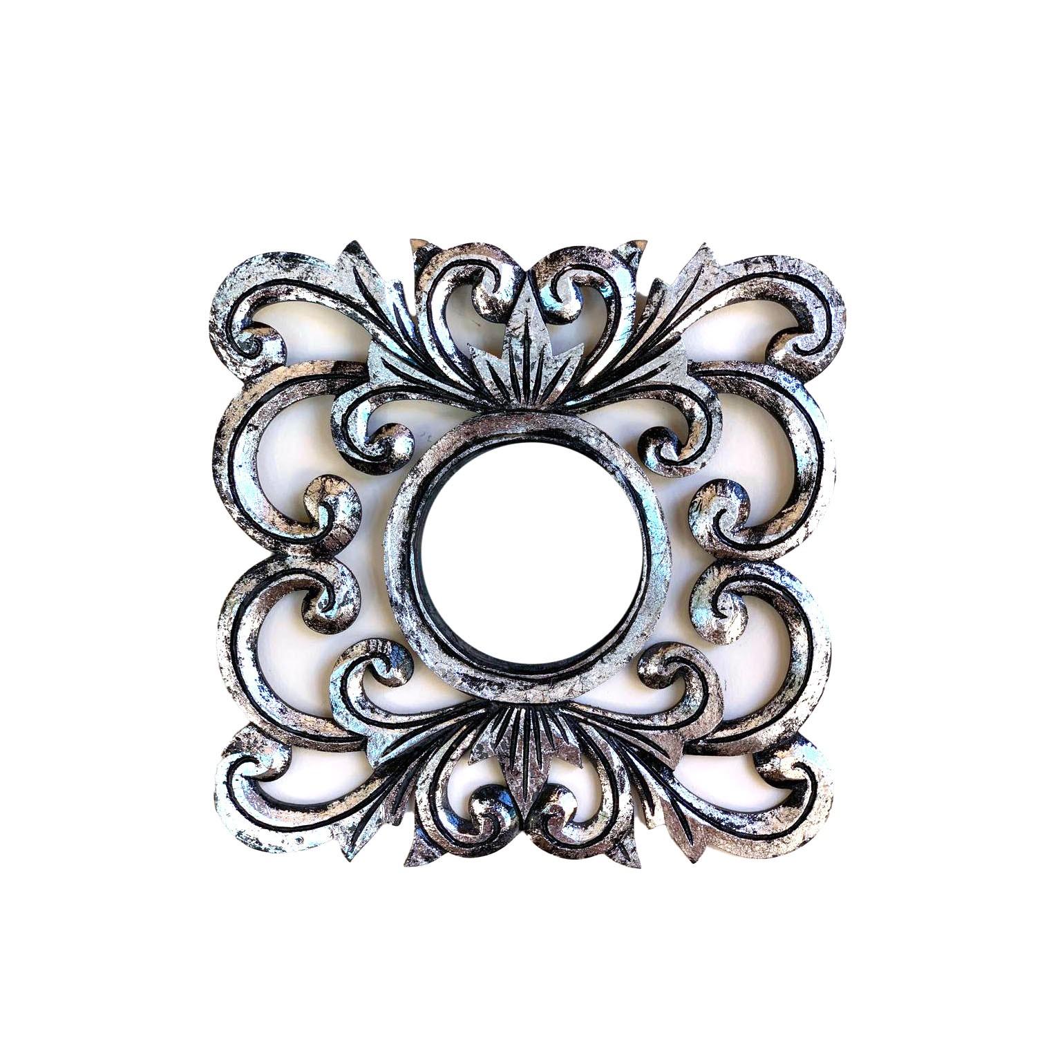 Espelho em MDF com Ornamentos e Pintura Prateada ( 30cm )