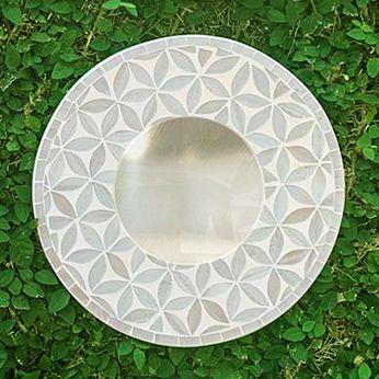 Espelho em Mosaico - Moldura em MDF com Mosaicos de Flores (Branco) [20/30/40]