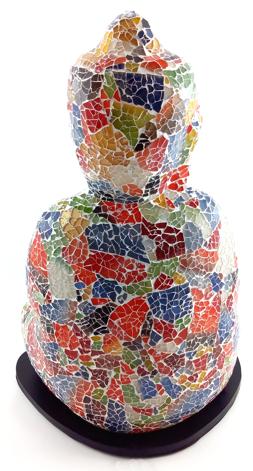 Luminária Buda Sidartha Meditando - Mosaico em Vidro Multicolorido (18x40x27cm)