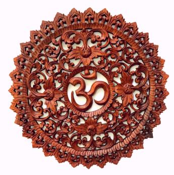 Mandala Om em Madeira Suar com Moldura Esculpida ( 60 cm )