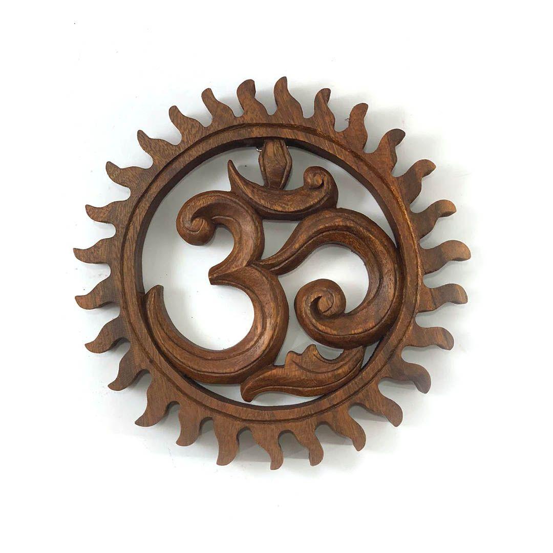 Mandala OM Esculpida em Madeira Suar ( 20 cm )