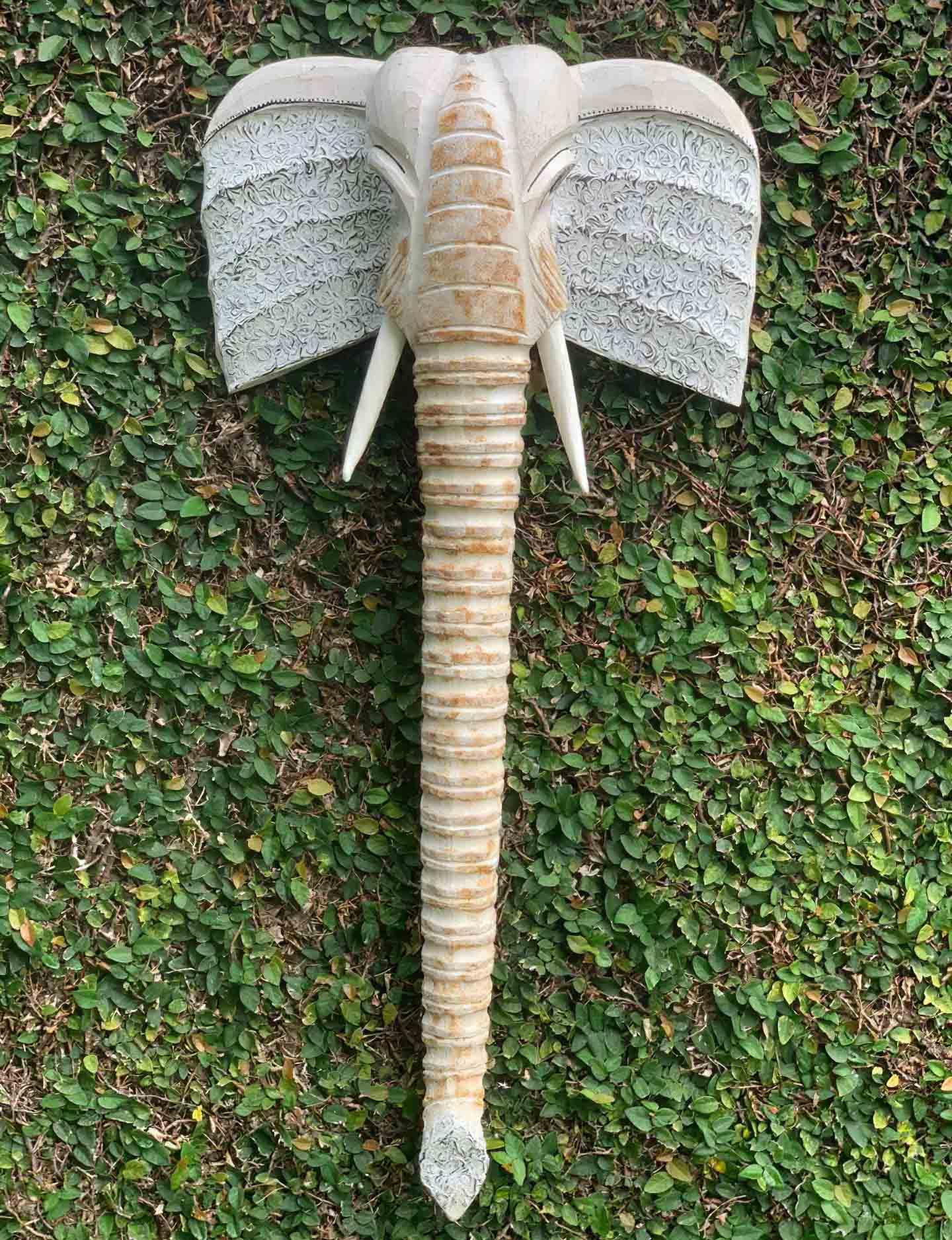 Máscara de Elefante em Madeira Albésia - Cinza e Pátina Branco ( 100cm )
