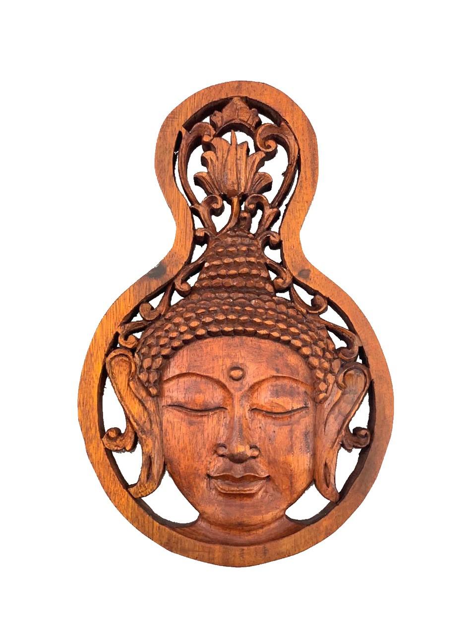 Pingente para Parede Buda Sidartha em Madeira Suar em Tom Natural ( 30x20cm )