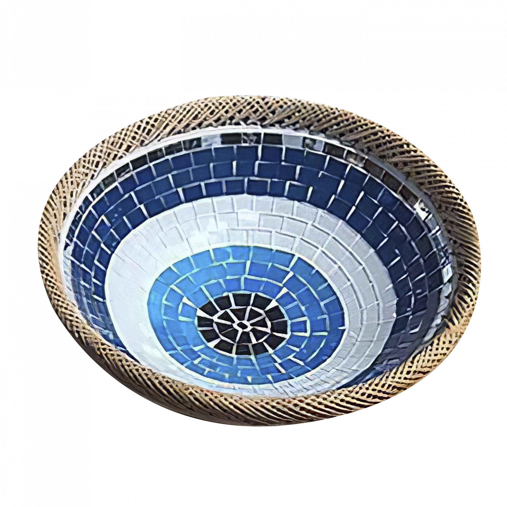 Prato Cerâmica Redondo com Mosaico de Olho Grego com Bordas em Rattan ( 30 cm )