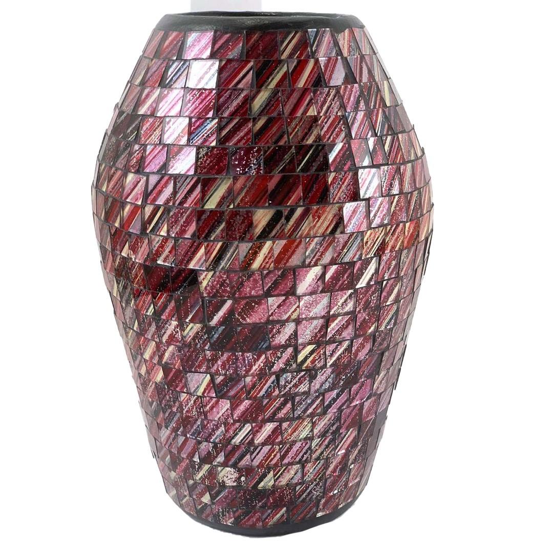 Vaso em Cerâmica em Mosaico de Vidro Vinho e Detalhes Prateados ( 25x16cm )