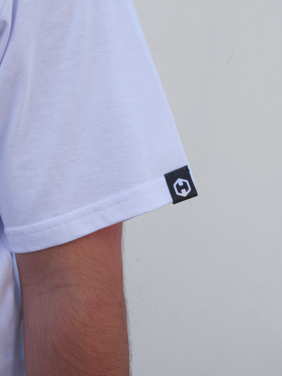 Camiseta HOSTER Branca On Board