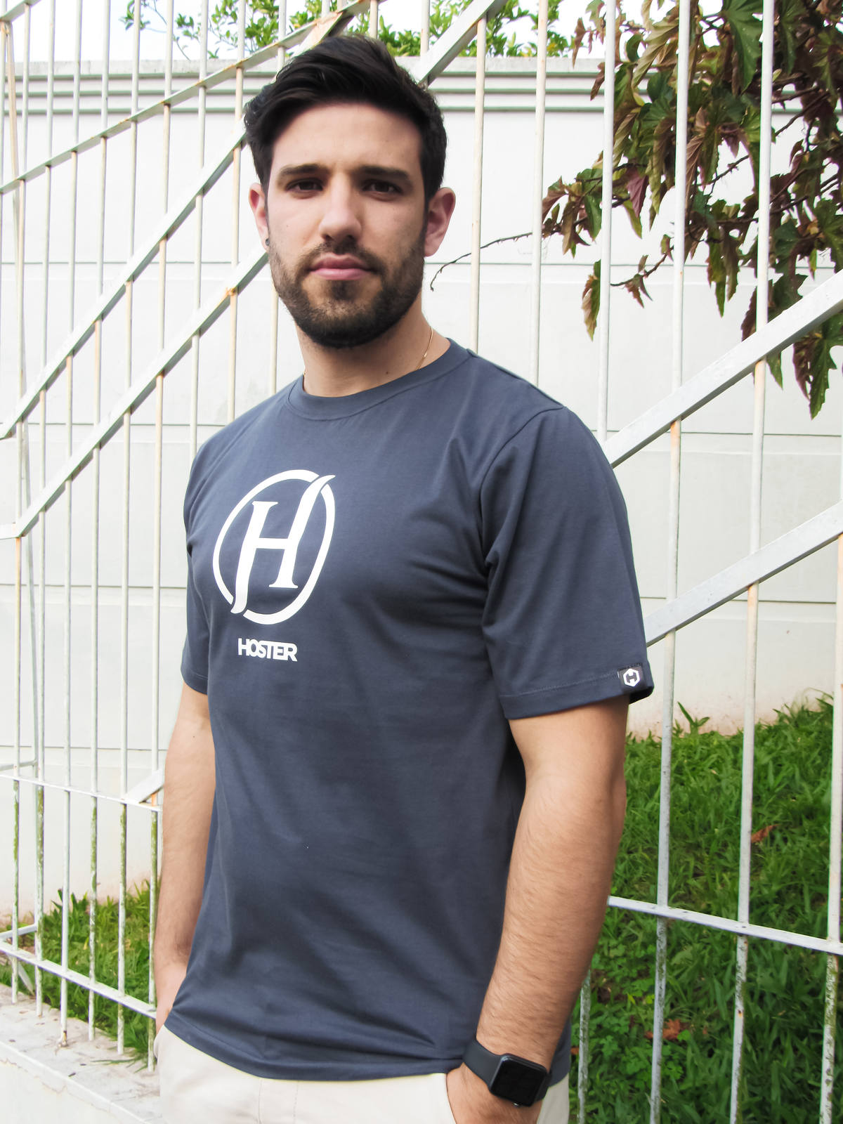 Camiseta HOSTER Cinza Chumbo On Board