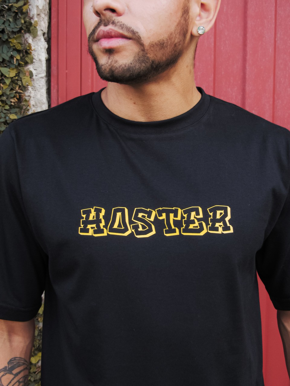 Camiseta HOSTER Preta Monster