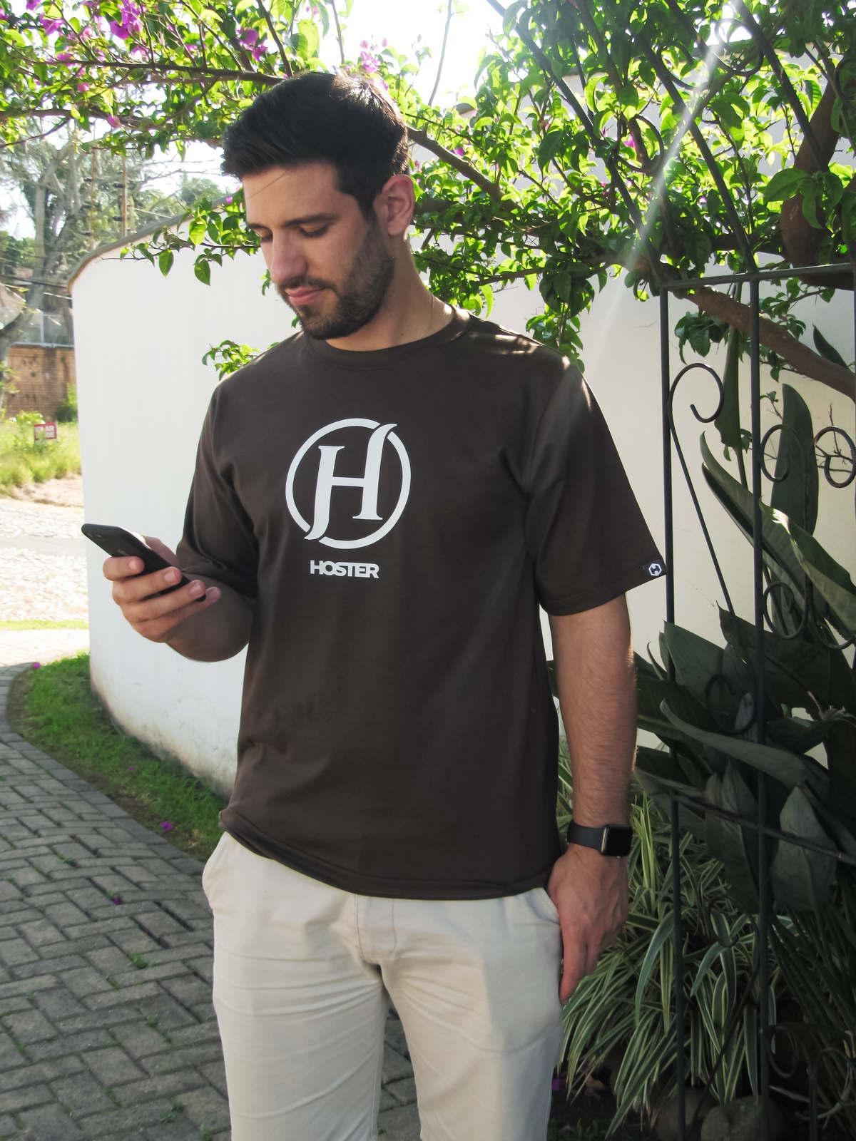 Camiseta HOSTER Marrom On Board