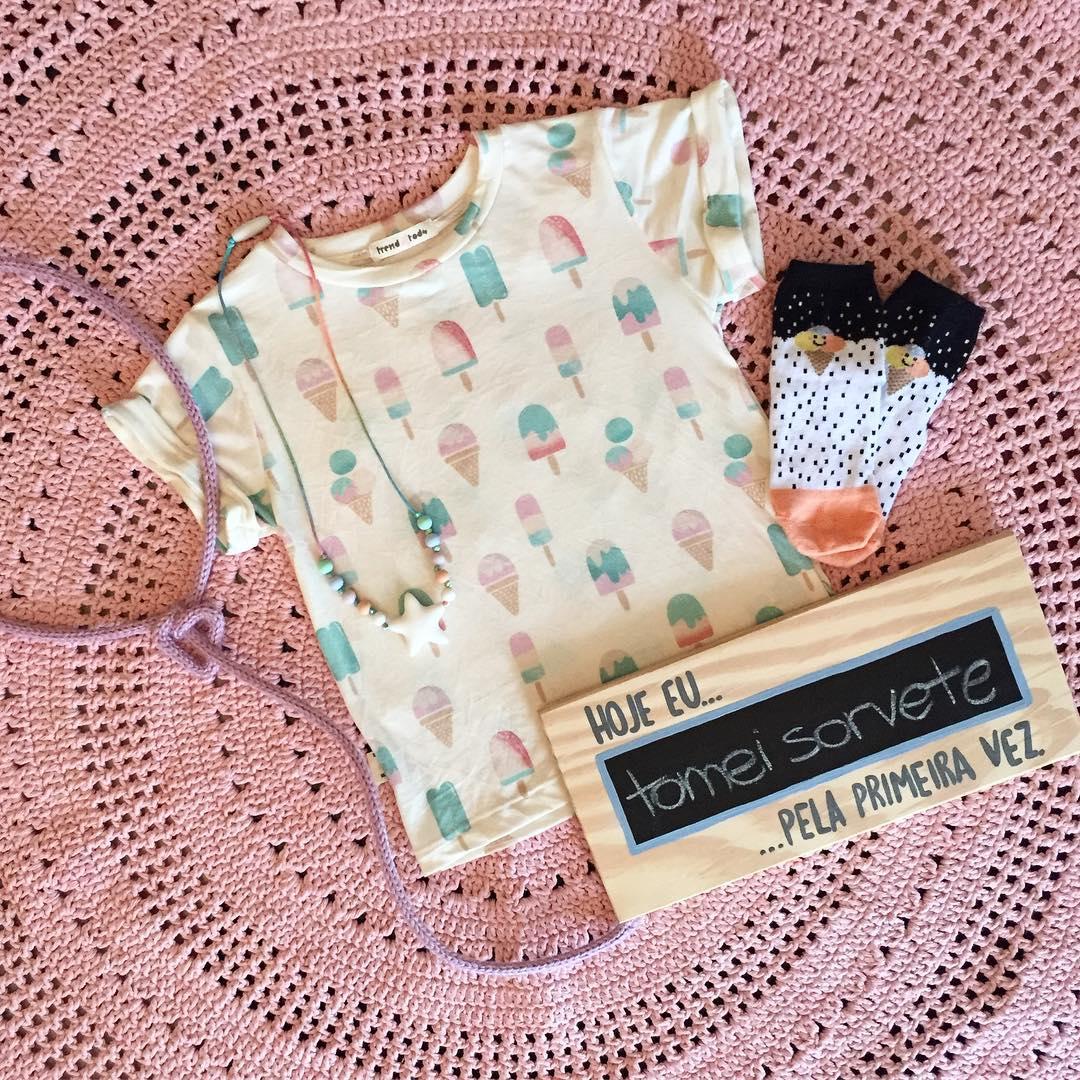 Camiseta  infantil estampada sorvete rosa