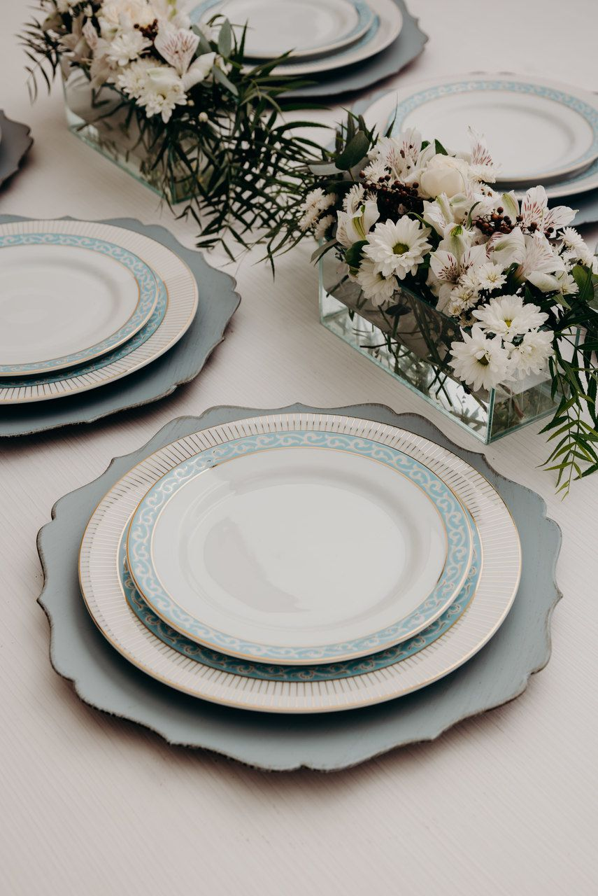 Serviço De Jantar E Chá Em Porcelana Detalhes em Ouro 30 Peças - Itamaraty  Audrey Schmidt
