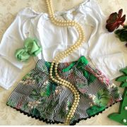 Conjunto blusa branca short estampado PRECOCE