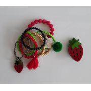 Kit pulseiras e presilha Boho Peace Love morango vermelho