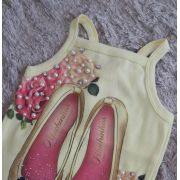 Regata Pituchinhus amarela estampa sapatilha