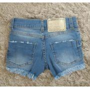 Short jeans Pituchinhus rasgadinho com pérolas bordadas