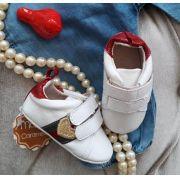 Tênis bebê branco listras vermelha e verde MARIA CARAMELO