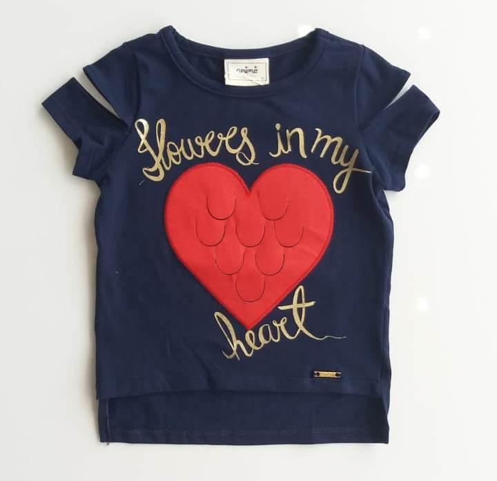 Blusa Animê azul marinho coração vermelho