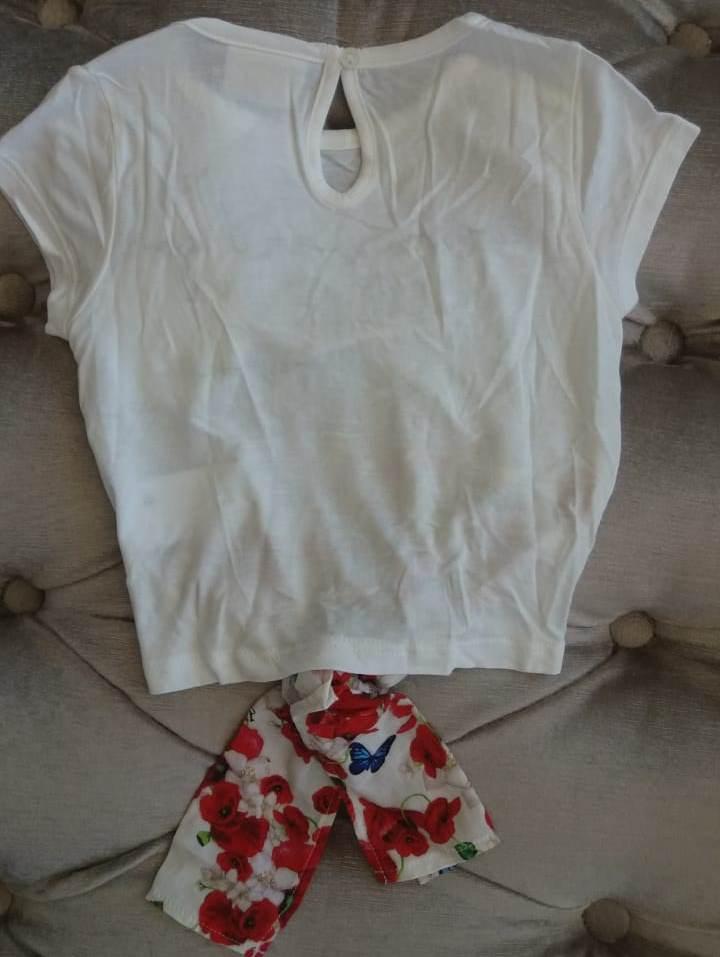 Blusa Animê off com amarração floral vermelha
