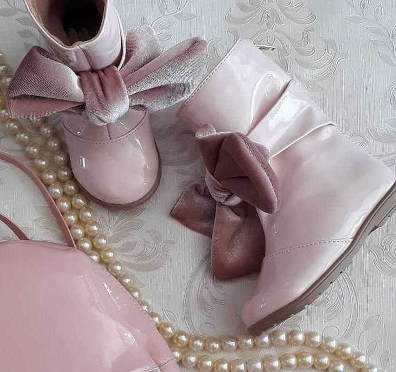 Bota rosa CONTRAMÃO