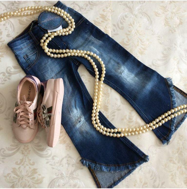 Calça jeans flare barra desfiada ANIMÊ