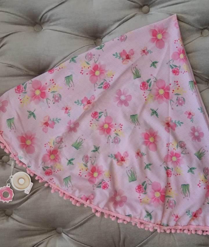 Canga Mon Sucré rosa floral pompom rosa bebê