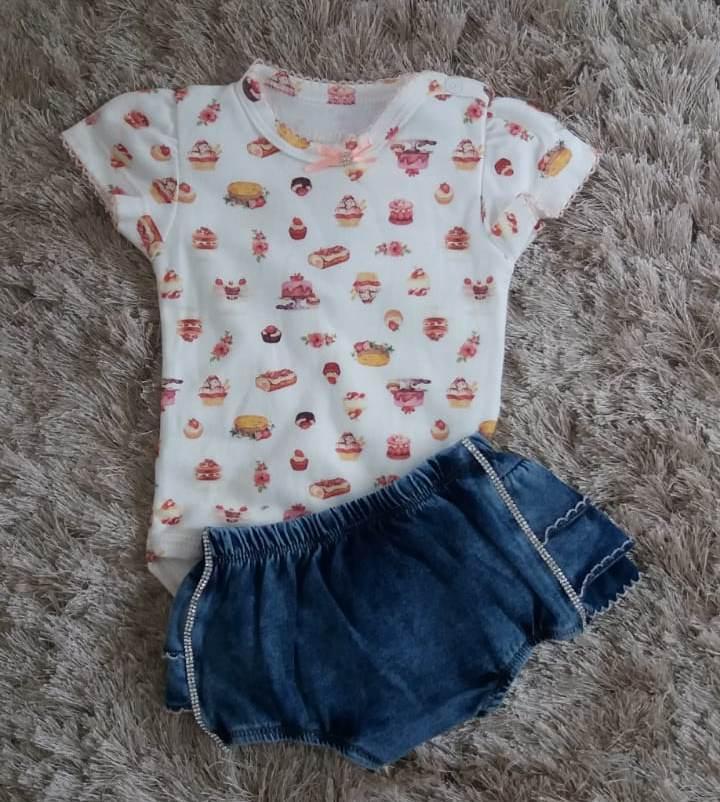 Conjunto Upi Uli body cupcake e calcinha jeans