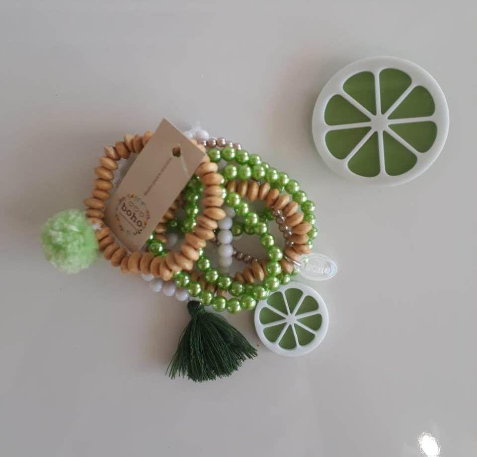 Kit pulseiras e presilha Boho Peace Love limão