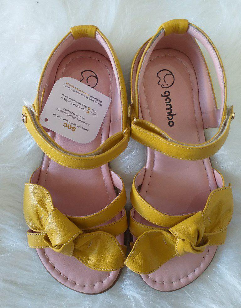Sandália amarela GAMBO