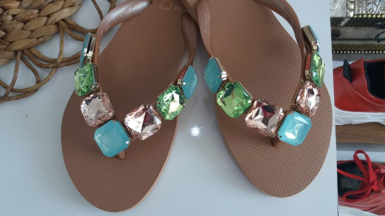 Sandália INDAIÁ nude pedras coloridas