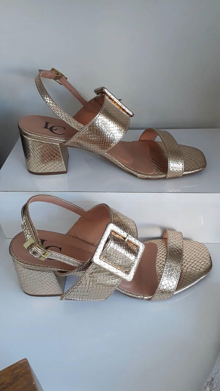Sandália ouro LC
