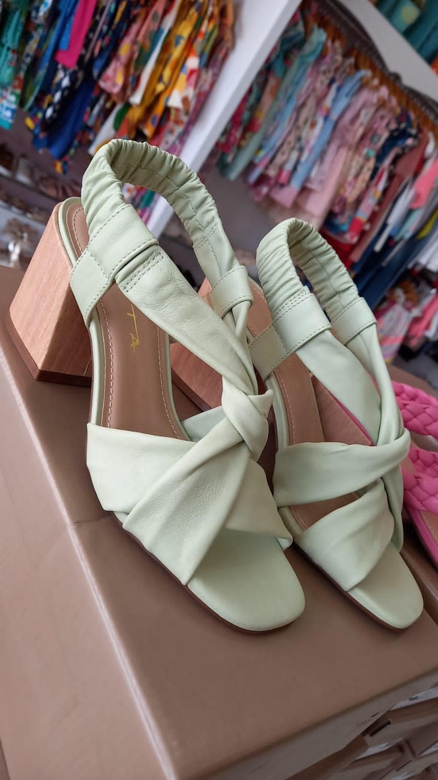 Sandalia verde menta TABITA