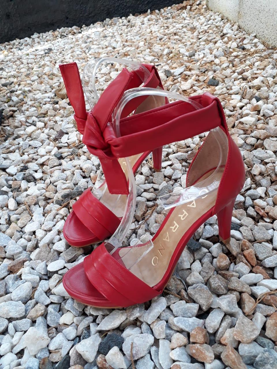 Sandália vermelha CARRANO