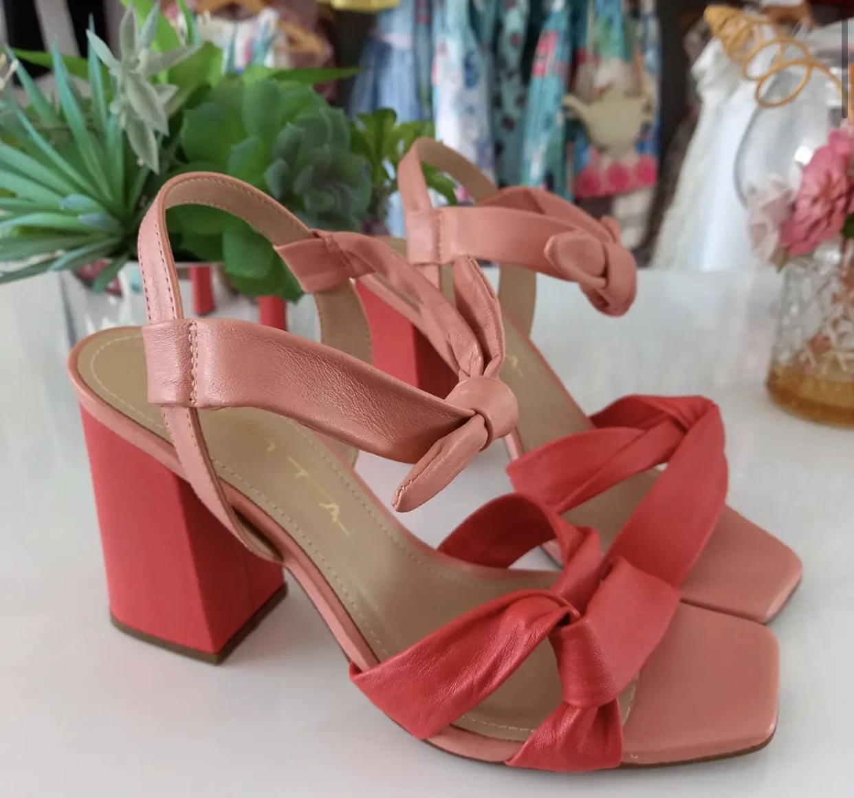 Sandália vermelha TABITA