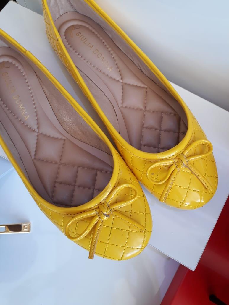 Sapatilha amarela GIULIA DOMNA