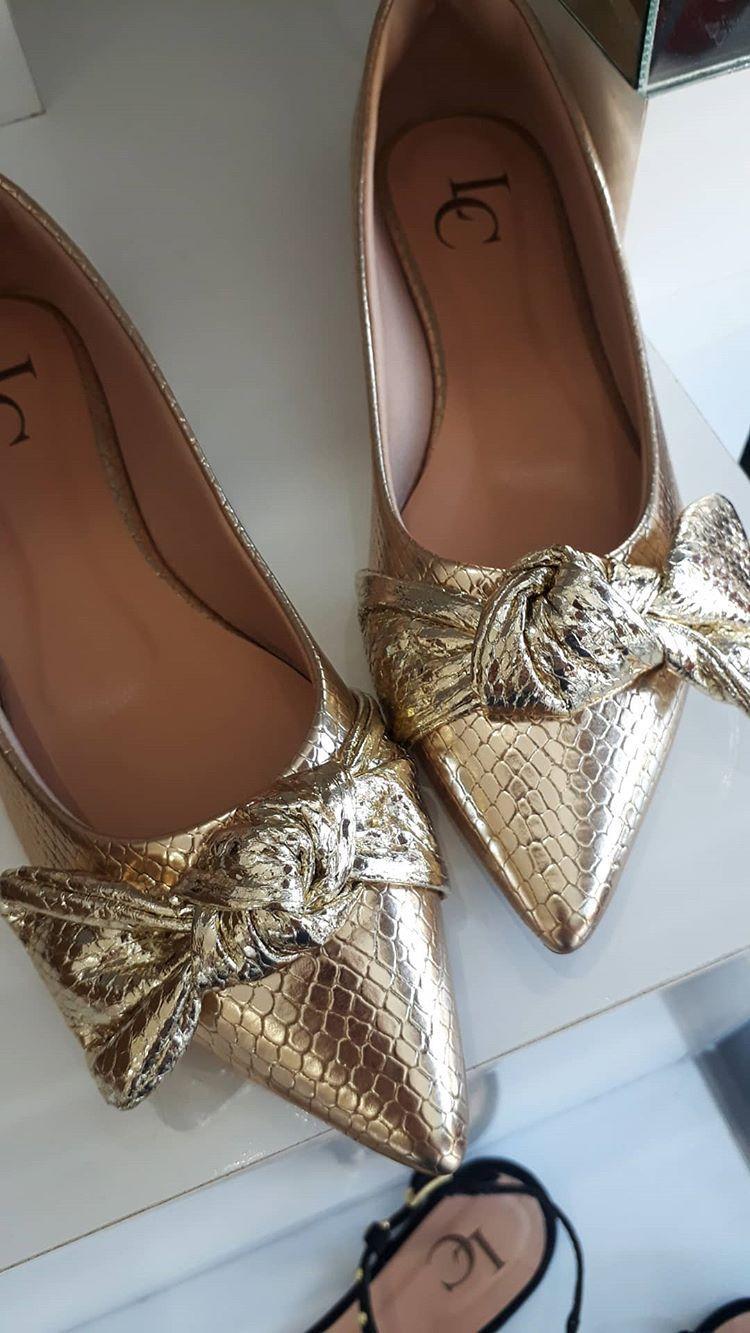 Sapatilha ouro LC