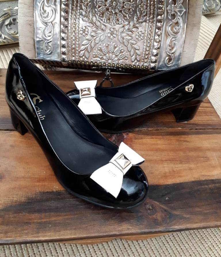 Sapato preto verniz laço branco CS CLUB