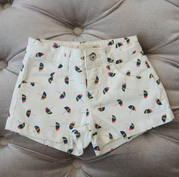 Short Fábula off white guarda chuva