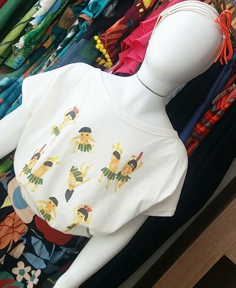 T-shirt off white índio FÁBULA