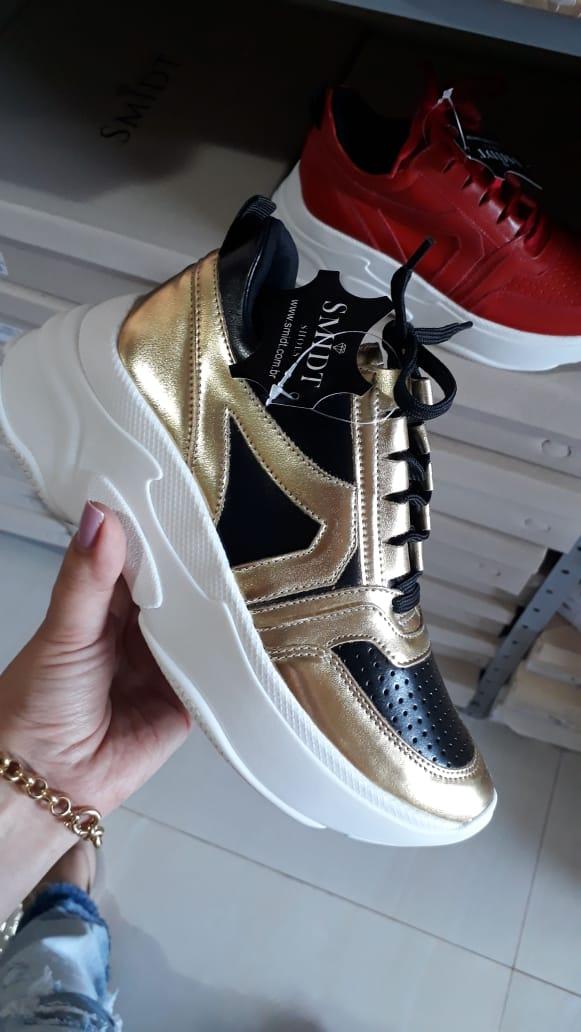 Tênis preto com dourado SMIDT