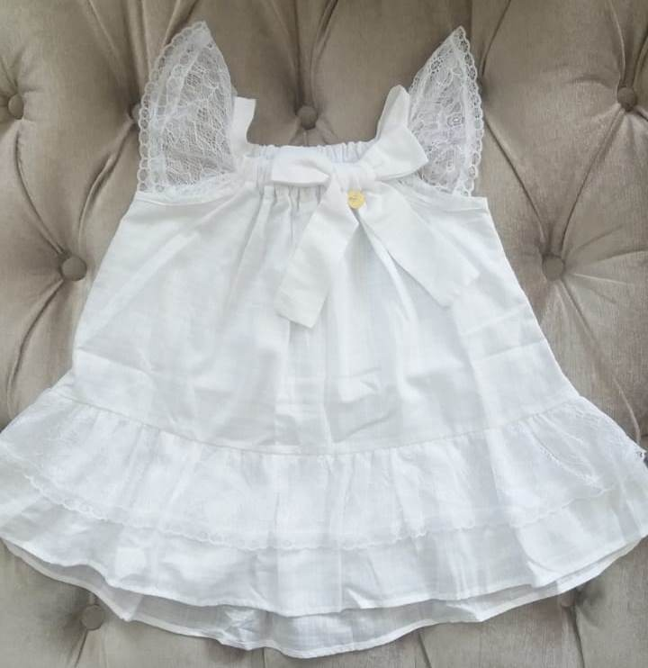 Vestido Precoce linho branco com renda