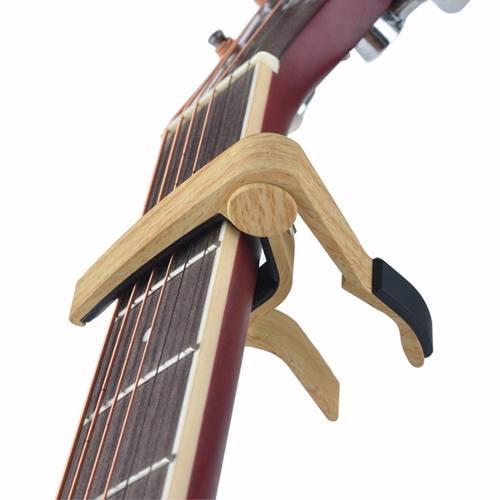 Capotraste Capô Violão/guitarra Cor Madeira