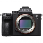 Câmera Sony Alpha a7 III Mirrorless Digital Camera (Corpo)
