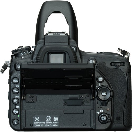 Câmera DSLR Nikon D750 (somente corpo)