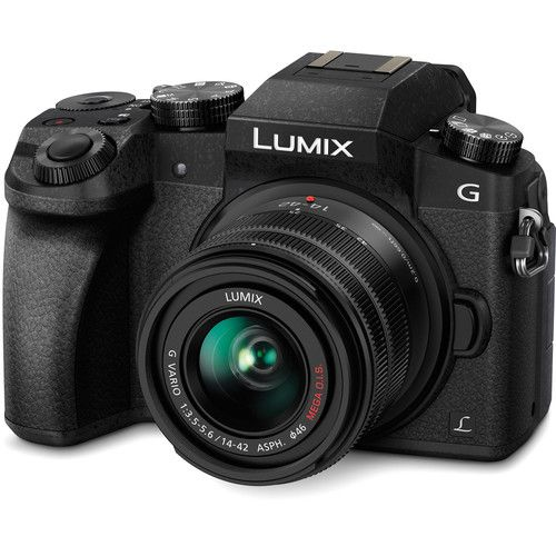 Câmera Panasonic Lumix DMC-G7 Mirrorless Micro Four Thirds com lente 14-42mm