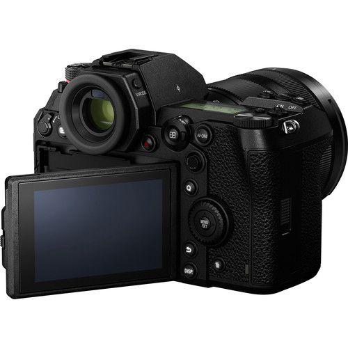 Panasonic Lumix DC-S1 Mirrorless Digital Camera with 24-105mm Lens