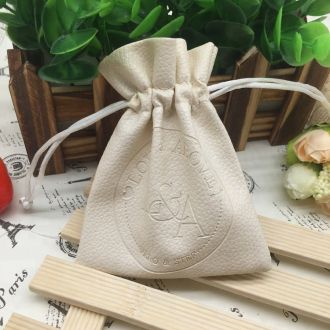 Embalagem de PVC Soft Borda Dupla 08x12 Personalização em Baixo Relevo Fechamento com Cordão de Seda
