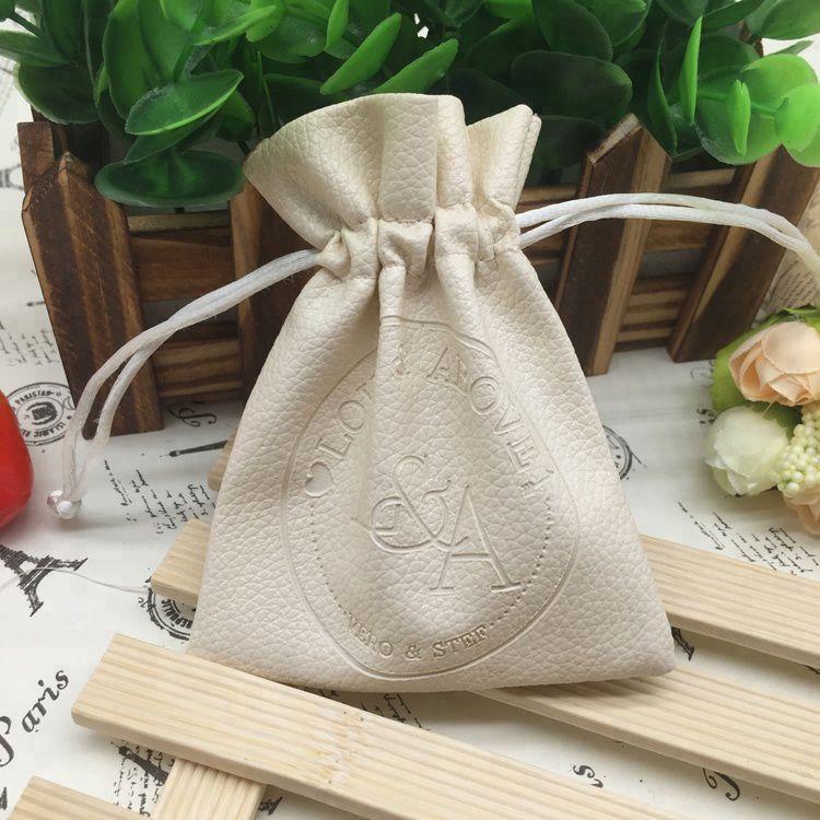 Embalagem de PVC Soft Borda Dupla 08x12 Personalização em Baixo Relevo Fechamento com Cordão de Seda  - Litex Embalagens